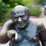 Подозреваемые в краже скульптуры «Доцента» возле «Мосфильма» предстанут перед судом