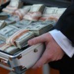 В ЦАО задержаны двое мужчин, пытавшихся за $2,5 млн. продать должность замминистра