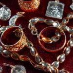 В «Домодедово» у россиянки нашли более трех тысяч не задекларированных ювелирных изделий