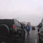 Таксиста-хама, подрезавшего «скорую», наказали проезжавшие мимо водители