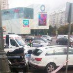 Страшное ДТП на Кутузовском: отлетевший от столкновения автомобиль убил полицейского