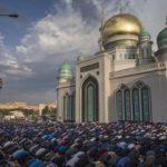 Мусульмане Москвы и Подмосковья отмечают Курбан-байрам
