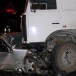 ДТП в Басманном районе: в результате столкновения легковушки и грузовика двое пострадали