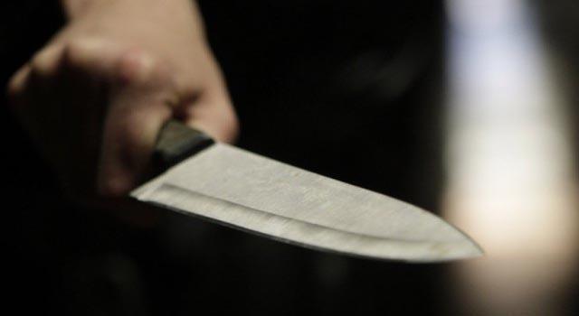 25 января в СВАО женщина пырнула ножом сожителя, за что тот ее задушил