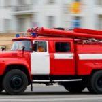 Пожарные спасли жизнь 2 взрослых и 3 детей, блокированных пожаром в доме на Большой Филевской