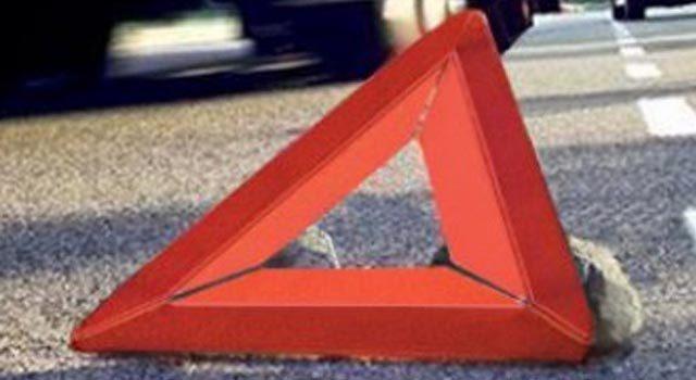 2 человека погибли и один тяжело ранен в результате дорожного происшествия с участием трех грузовиков в деревне Давыдково под Клином на Ленинградском шоссе