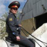 В Измайловском парке машина сбила лошадь с наездницей-полицейским