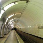 Поезда по «салатовой» линии метро идут с длительными интервалами