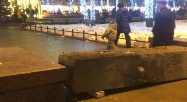 В самом центре Москвы устанавливают бетонные заграждения