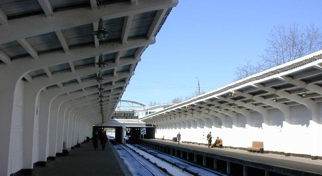 """12 декабря на платформе метро """"Фили"""" умер сотрудник полиции"""