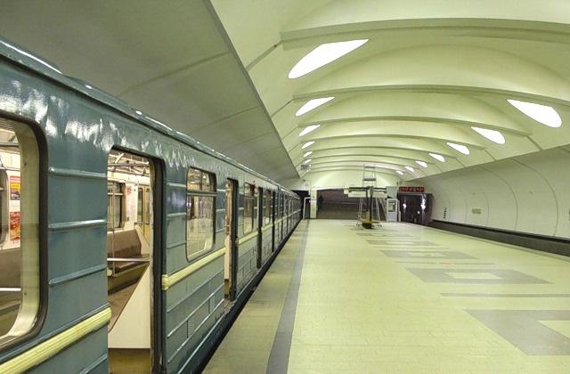 """Сегодня, 2 февраля, на """"Алтуфьево"""" человек попал под поезд метро"""