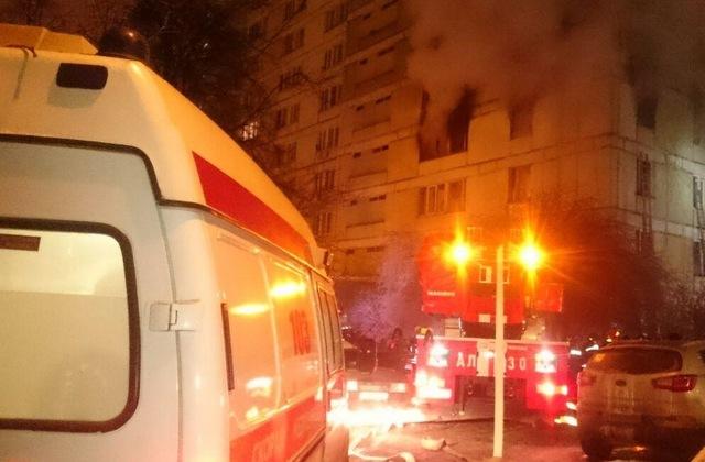 На улице Шипиловской в столичном Зябликово при тушении пожара погиб спасатель