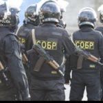 СРОЧНО: Москвич взял в заложники жену и детей на Боровском шоссе — СОБР готовит штурм