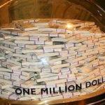 Очередной безработный житель столицы лишился огромных денег