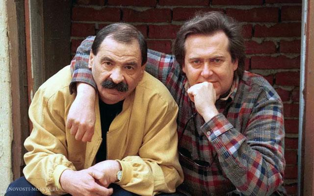 10 июля родились всенародно любимые комики Олейников и Стоянов
