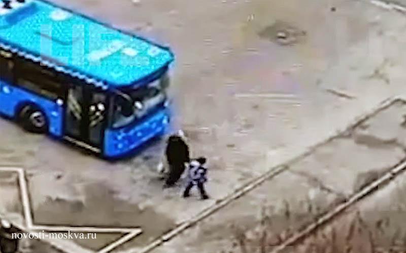 В Кунцево автобус несмерть сбил женщину новости 17 ноября