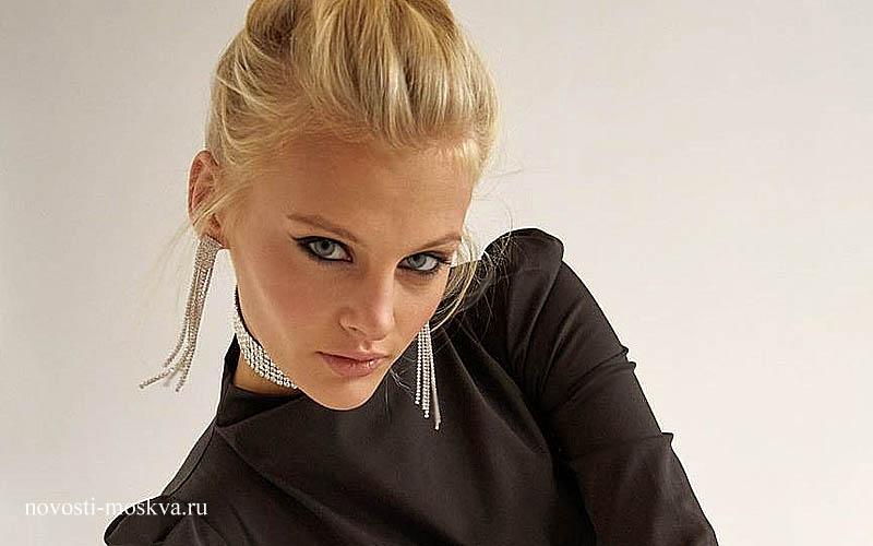 Из квартиры внука Никиты Михалкова выпала обнаженная модель Ксения Пунтус