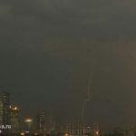 На Москву идет стихия: дождь, град, шквалистый ветер